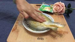 雪菜蒸黄花鱼的做法图解6