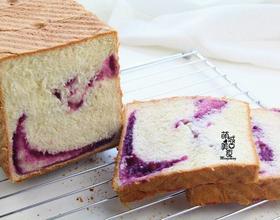 营养早餐紫薯吐司