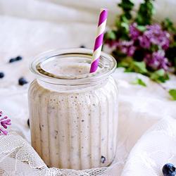 蓝莓香蕉燕麦豆乳