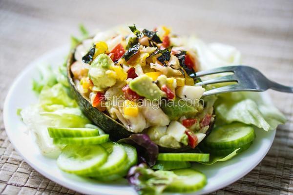 鲜虾牛油果沙拉