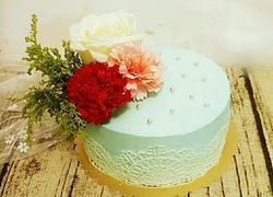 鲜花淡奶油蛋糕