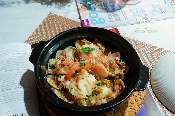 蛤蜊鲜虾煲