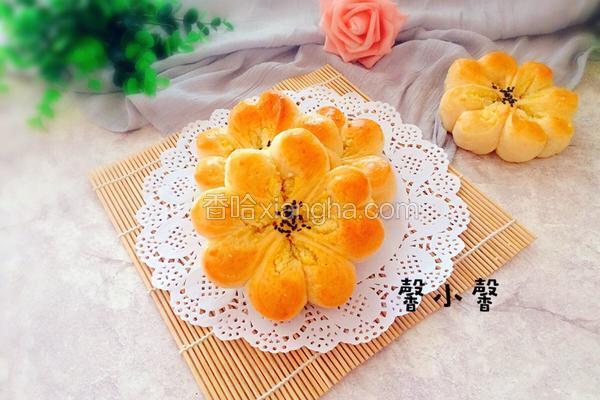椰蓉花形面包