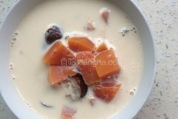 木瓜红枣煮纯奶