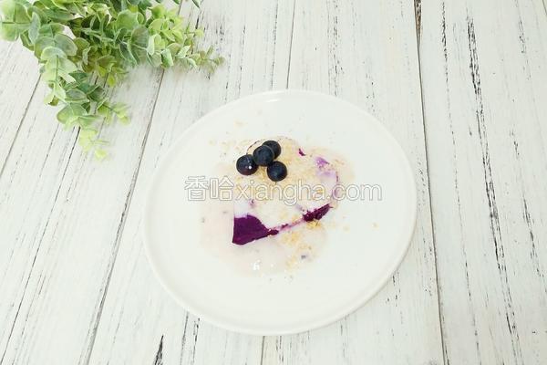酸奶麦片紫薯泥