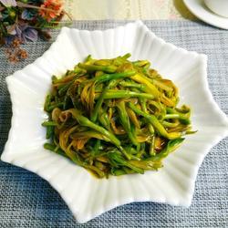 素炒黄花菜
