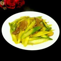 芦笋炒肉的做法[图]