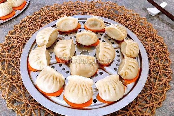 香菇肉馅蒸饺