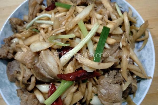 皎白炒鸭肉