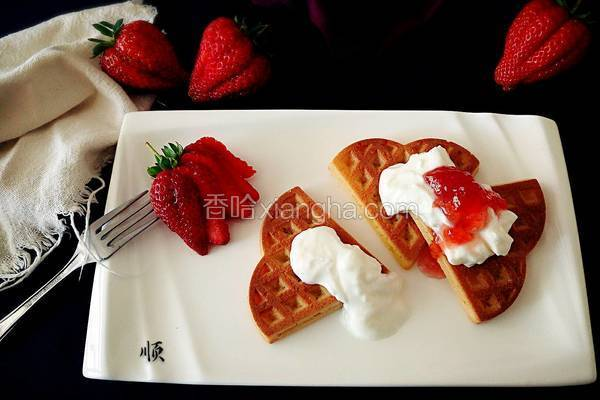 草莓酸奶华夫饼