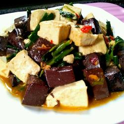 豆腐炒猪血