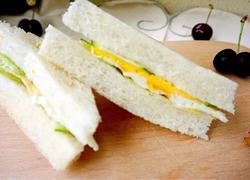 奶酪黄瓜三明治