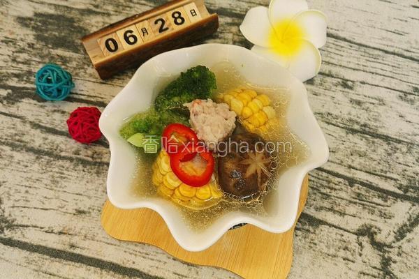 海鲜丸子蔬菜汤