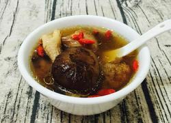 双菇枸杞猪骨炖汤