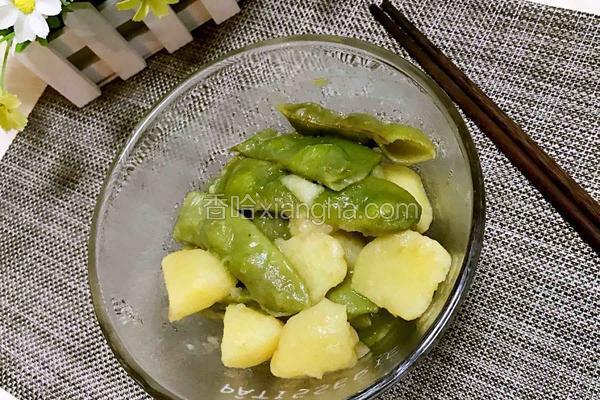 特色土豆炖豆角