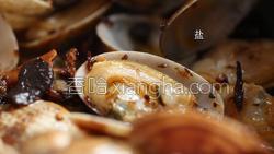 香菇酱炒花蛤的做法图解13