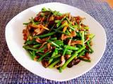 韭菜苔炒黄鳝的做法[图]