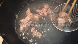 百合荸荠排骨汤的做法图解5