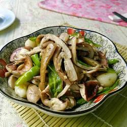 青椒炒野生菌