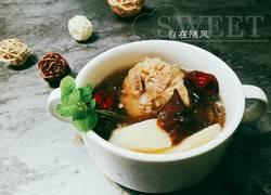 滑菇山药猪骨汤