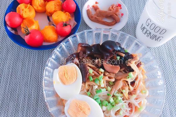 香菇木耳黄花菜面