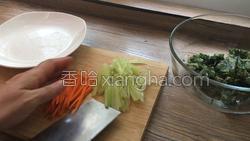 香煎荠菜卷的做法图解4