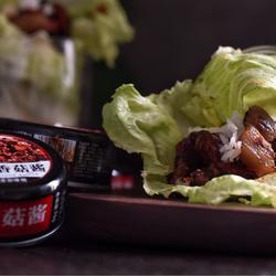 香菇酱烤肉菜包饭