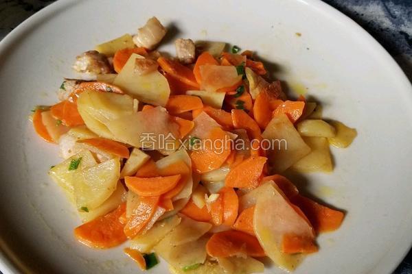 胡萝卜土豆肉丁