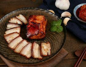 肥而不腻的下饭神器 香烤南乳五花肉