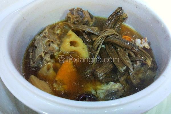 莲藕排骨煲汤
