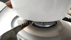 南瓜排骨汤的做法图解12