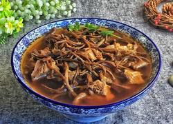 茶树菇骨头汤