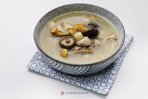 姬松茸花菇炖老鸡
