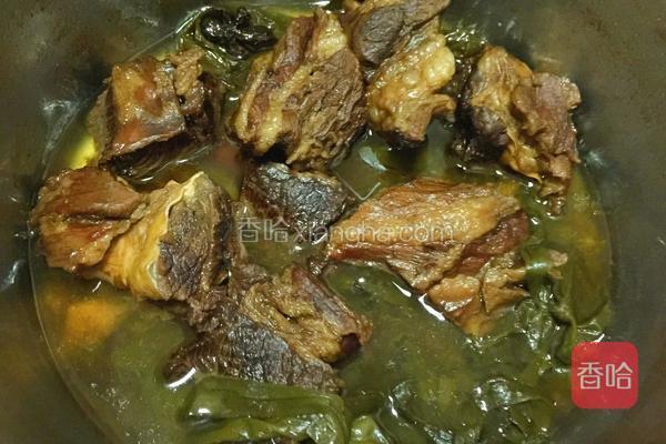 煮熟后不食用的话就在汤里面浸泡着,会更入味。