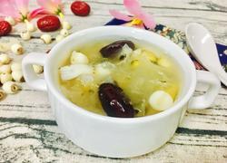 银耳莲子红枣百合汤