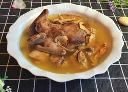 松茸炖鸽子汤