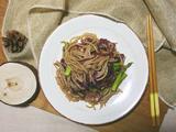 米线花样吃—黑椒炒米线的做法[图]