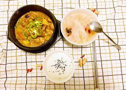 早餐组合(黄焖鸡米饭,萝卜紫菜汤)