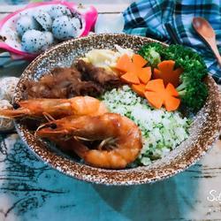 鲜虾肥牛蔬菜饭