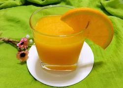 鲜榨新奇士橙汁