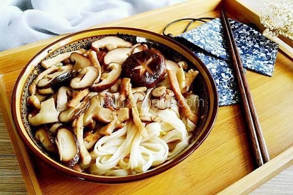 香菇肉丝面