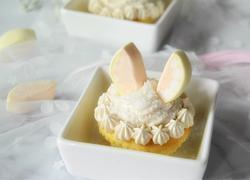 小白兔杯子蛋糕