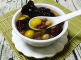 木耳红枣栗子糖水的做法[图]