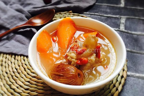 枸杞蜜枣筒骨汤
