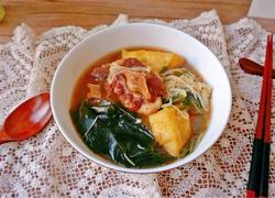 牛尾裙带金针菇豆泡汤