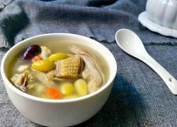 白果猪肚炖鸡汤