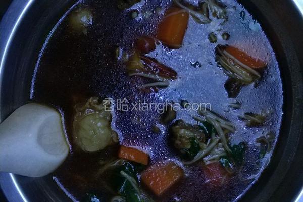 砂锅西红柿土豆炖牛腩(毛豆)