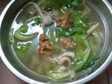 平菇酥肉汤的做法[图]