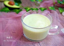 牛油果香蕉奶昔