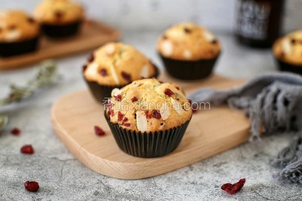 蔓越莓马芬蛋糕
